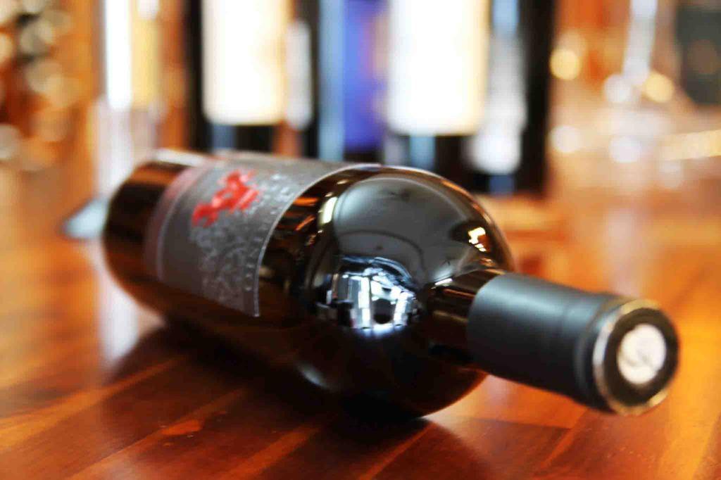 Rượu vang A Đỏ - Collefriso A